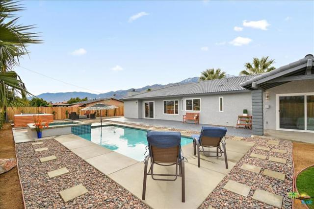 2774 N Cypress Road, Palm Springs, CA 92262 (#18414868PS) :: Paris and Connor MacIvor