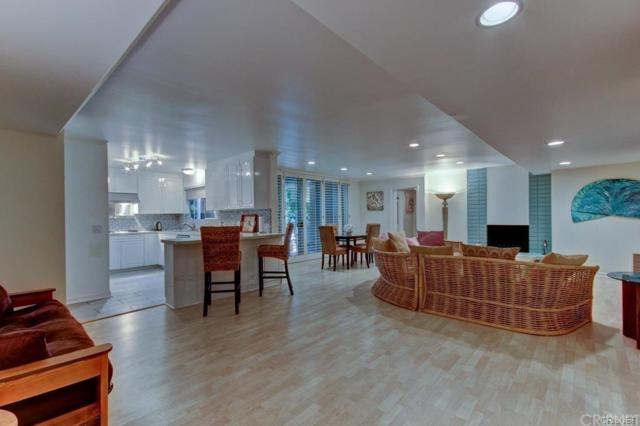 4240 Fulton Avenue, Studio City, CA 91604 (#SR18289537) :: Golden Palm Properties