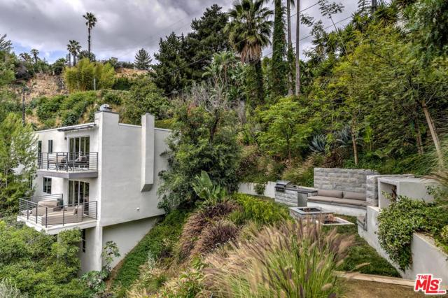 9329 Warbler Way, Los Angeles (City), CA 90069 (#18415060) :: Golden Palm Properties