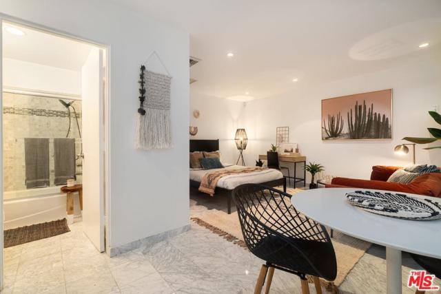 8787 Shoreham Drive B5, West Hollywood, CA 90069 (#18413360) :: Golden Palm Properties