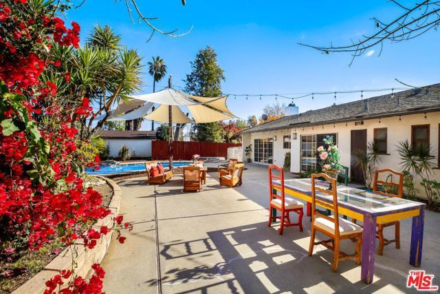 20305 Oxnard Street, Woodland Hills, CA 91367 (#18415240) :: Golden Palm Properties