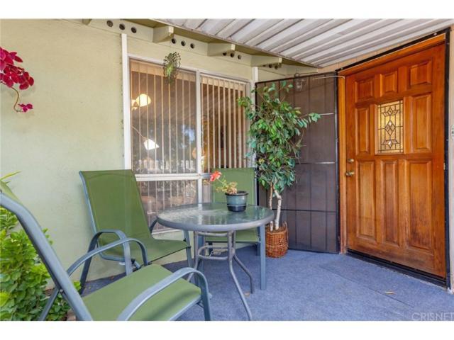 26707 Oak Crossing Road B, Newhall, CA 91321 (#SR18290684) :: Paris and Connor MacIvor