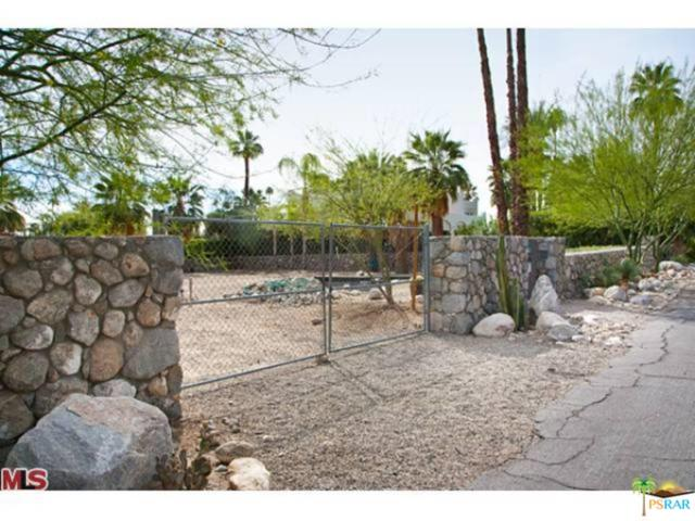 430 S Patencio Road, Palm Springs, CA 92262 (#18415548PS) :: Lydia Gable Realty Group
