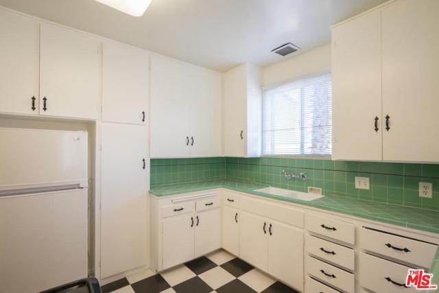 132 N Almont Drive, Beverly Hills, CA 90211 (#18416454) :: PLG Estates