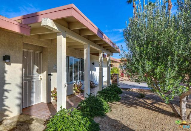 2304 E Bellamy Road, Palm Springs, CA 92262 (#18416322PS) :: Fred Howard Real Estate Team