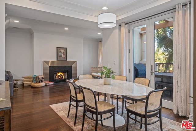 261 S Reeves Drive #303, Beverly Hills, CA 90212 (#19521164) :: Golden Palm Properties