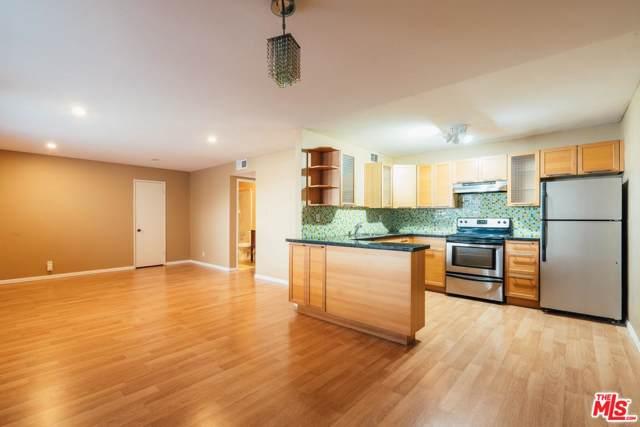 18619 Collins Street F2, Tarzana, CA 91356 (#19521698) :: Golden Palm Properties