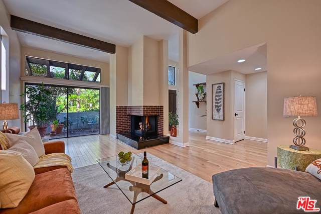 1569 Michael Lane, Pacific Palisades, CA 90272 (#19521926) :: TruLine Realty