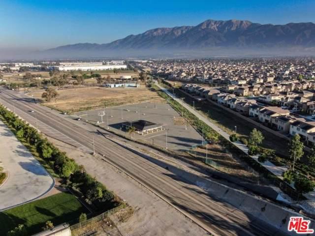15526 Foothill, Fontana, CA 92335 (#19522474) :: TruLine Realty