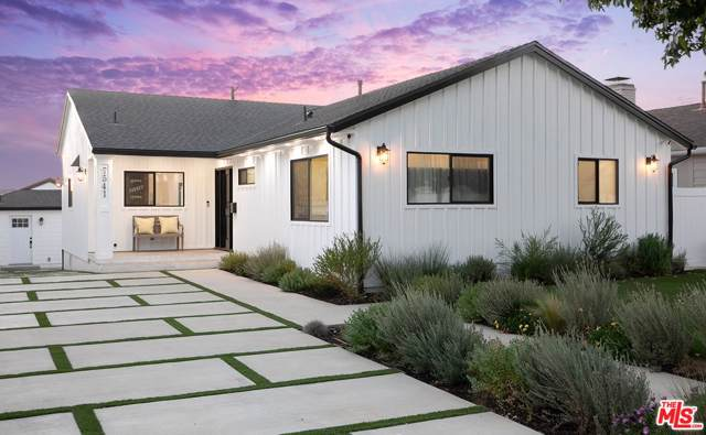 7541 Westlawn Avenue, Los Angeles (City), CA 90045 (#19527888) :: Pacific Playa Realty