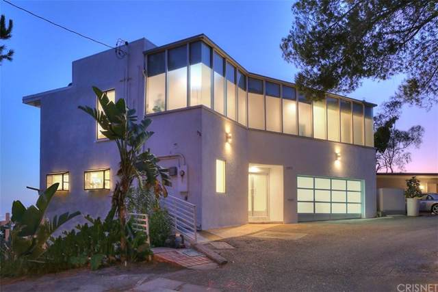 1707 Viewmont Drive, Hollywood Hills, CA 90069 (#SR19258022) :: The Agency