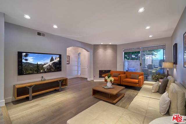 2139 Colby Avenue, Los Angeles (City), CA 90025 (#19527368) :: Pacific Playa Realty