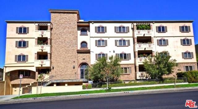 5057 W Maplewood Avenue Ph2, Los Angeles (City), CA 90004 (#19529202) :: The Agency