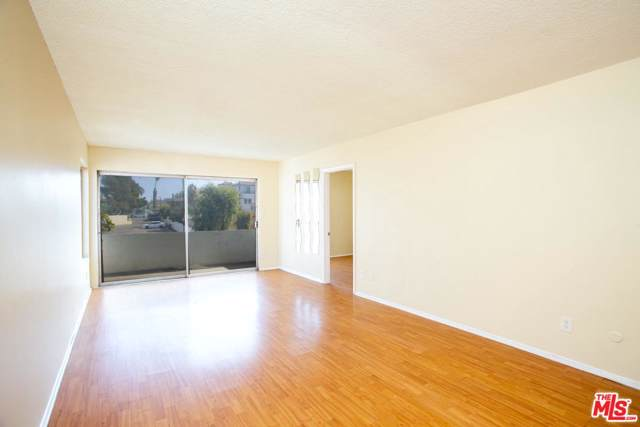 1415 S Point View Street #5, Los Angeles (City), CA 90035 (#19529254) :: The Agency