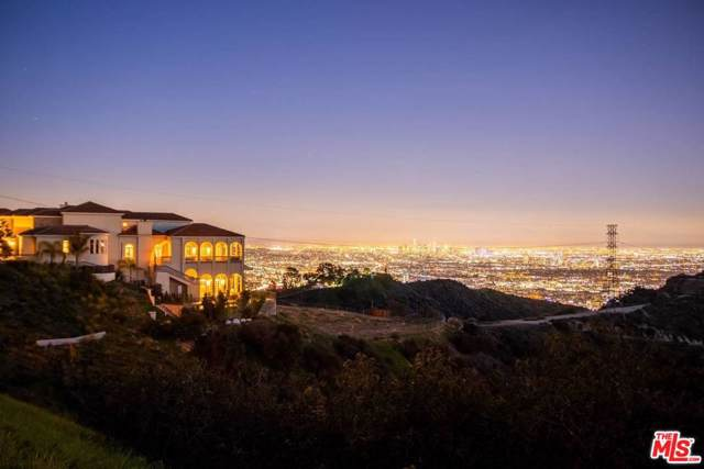 2462 Solar Drive, Los Angeles (City), CA 90046 (#19529216) :: Pacific Playa Realty