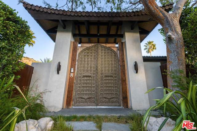 1240 Loma Vista Drive, Beverly Hills, CA 90210 (#19530094) :: The Agency