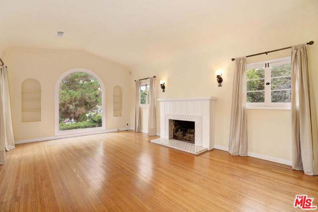 10603 Rochester Avenue, Los Angeles (City), CA 90024 (#19529792) :: The Pratt Group
