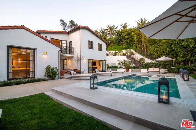 1118 Tower Road, Beverly Hills, CA 90210 (#19529586) :: The Agency