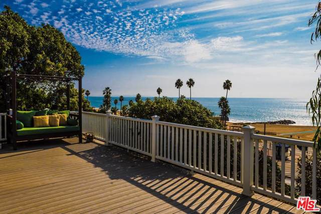16 Vista Terrace, Pacific Palisades, CA 90272 (#19530552) :: The Fineman Suarez Team