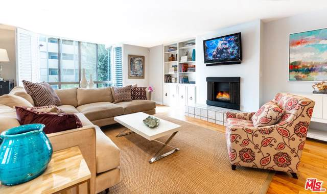 150 N Almont Drive #102, Beverly Hills, CA 90211 (#19531022) :: The Agency