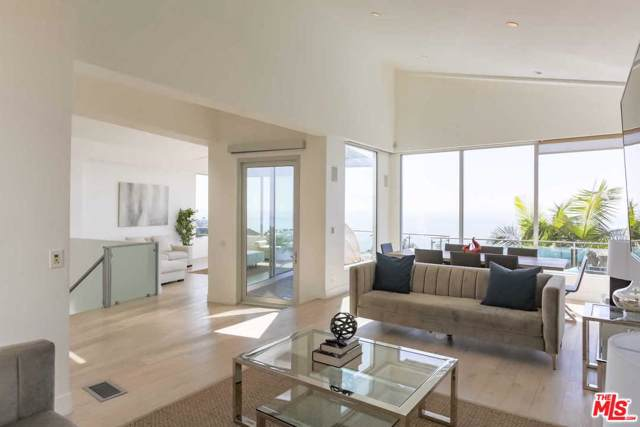 3833 Paseo Hidalgo Street, Malibu, CA 90265 (MLS #19530696) :: Mark Wise   Bennion Deville Homes