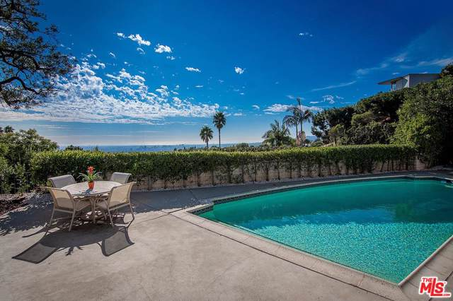 534 Chalette Drive, Beverly Hills, CA 90210 (#19533488) :: The Agency