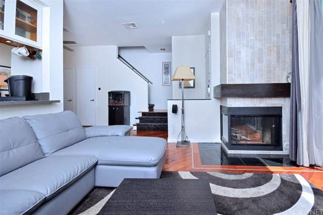 10455 Riverside Drive #3, Toluca Lake, CA 91602 (#SR19273605) :: Golden Palm Properties