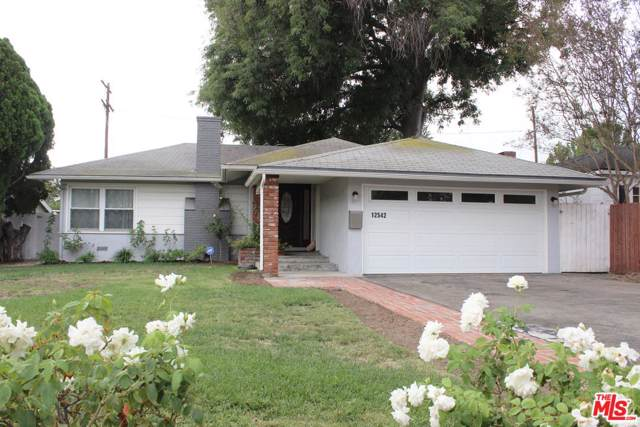 12542 Collins Street, Valley Village, CA 91607 (#19532980) :: The Agency