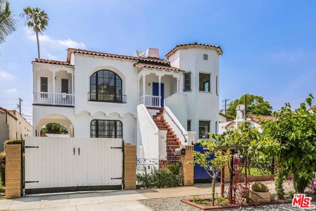 1375 S Orange Drive, Los Angeles (City), CA 90019 (MLS #20542528) :: The Jelmberg Team