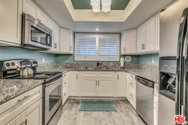 505 S Farrell Drive B9, Palm Springs, CA 92264 (#20543818) :: Pacific Playa Realty