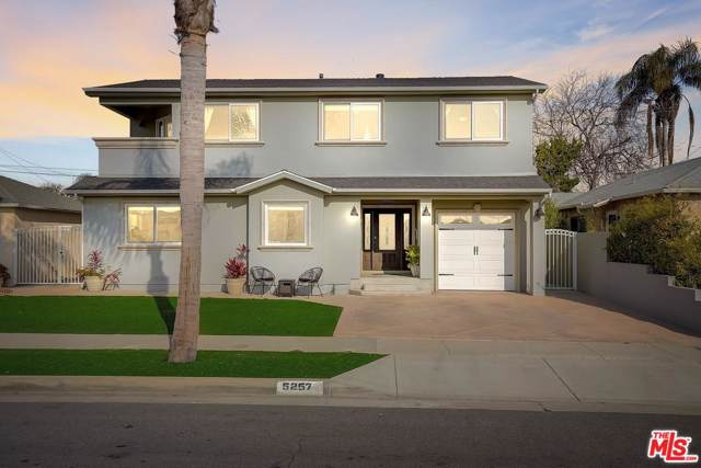 5257 W 123RD Place, Hawthorne, CA 90250 (#20543976) :: The Agency