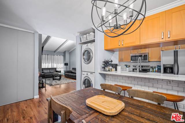 4900 Overland Avenue #345, Culver City, CA 90230 (#20544548) :: Pacific Playa Realty