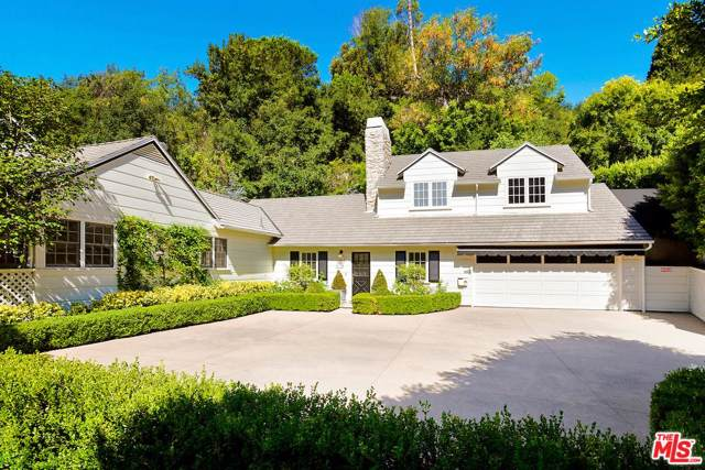 2791 Hutton Drive, Beverly Hills, CA 90210 (#20544892) :: The Agency