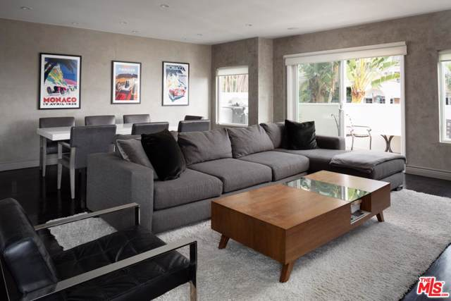 959 N Doheny Drive #202, West Hollywood, CA 90069 (#20544424) :: The Pratt Group