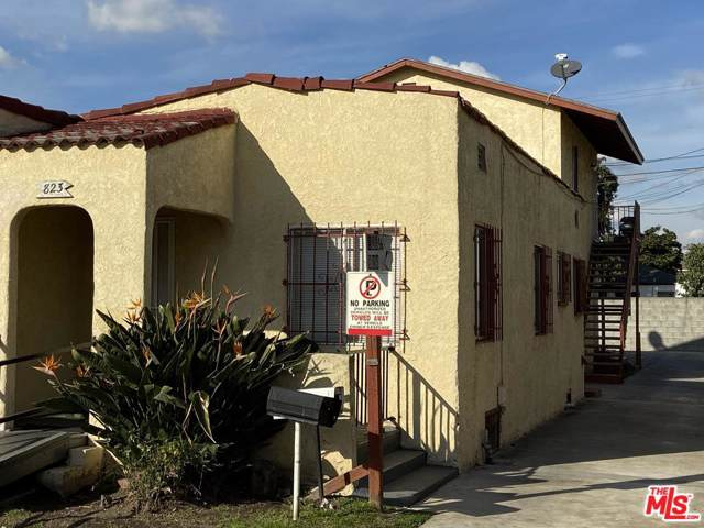 823 E 88TH Place, Los Angeles (City), CA 90002 (#20545290) :: Pacific Playa Realty