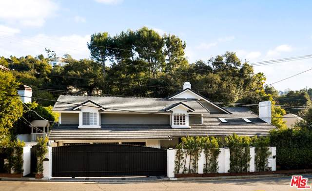 2572 Hutton Drive, Beverly Hills, CA 90210 (#20544652) :: Pacific Playa Realty