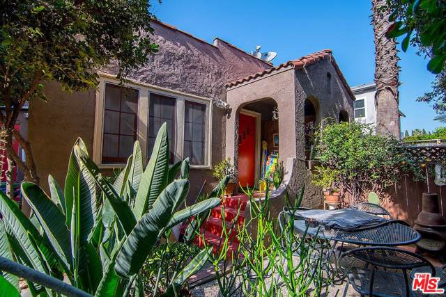 1207 N Citrus Avenue, Los Angeles (City), CA 90038 (MLS #20546000) :: Hacienda Agency Inc
