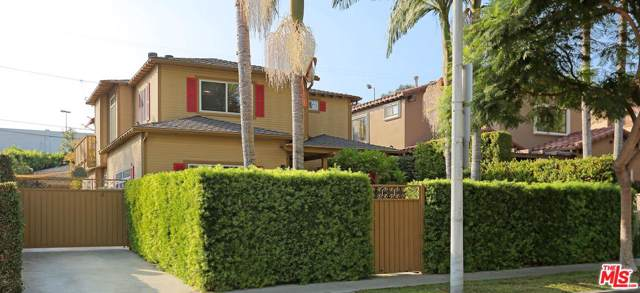 825 Huntley Drive, West Hollywood, CA 90069 (#20546528) :: The Suarez Team