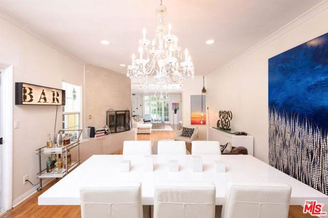 216 S Lasky Drive, Beverly Hills, CA 90212 (#20546466) :: The Suarez Team