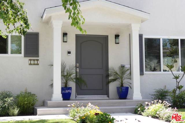 441 N Mansfield Avenue, Los Angeles (City), CA 90036 (#20546882) :: Lydia Gable Realty Group