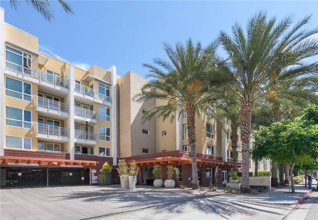 21301 Erwin Street #437, Woodland Hills, CA 91367 (#SR20016768) :: Randy Plaice and Associates