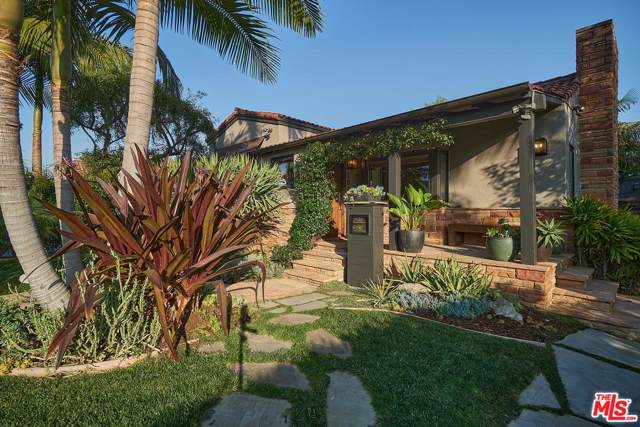 1036 S Ridgeley Drive, Los Angeles (City), CA 90019 (#20547094) :: Lydia Gable Realty Group