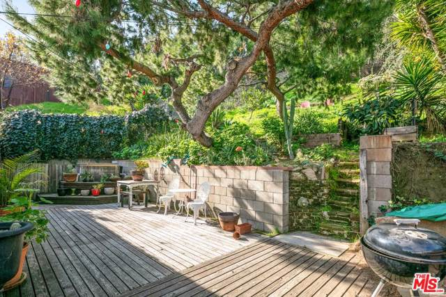 2379 Lake View Avenue, Los Angeles (City), CA 90039 (#20546826) :: The Parsons Team