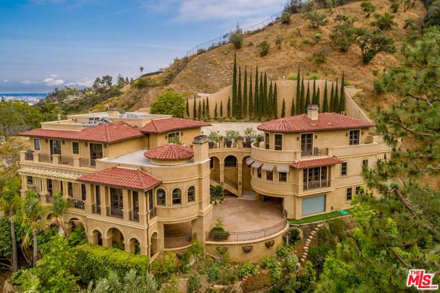 1744 Stone Canyon Rd, Los Angeles, CA 90077 (MLS #20-547508) :: The Jelmberg Team