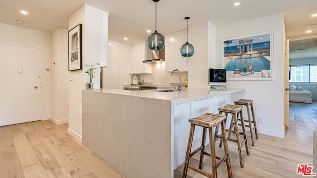 999 N Doheny Drive #1003, West Hollywood, CA 90069 (#20548216) :: The Agency