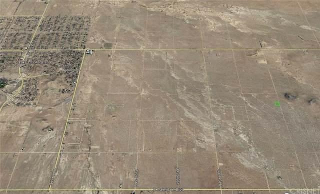 21000 Vac/Cor 210E Largo Vista Rd/ Avenue, Palmdale, CA 93591 (#SR20019775) :: The Agency