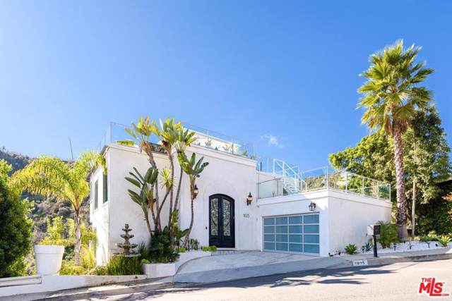 1625 Clear View Dr, Beverly Hills, CA 90210 (MLS #20-547278) :: Zwemmer Realty Group