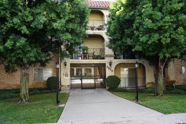 3010 Montrose Avenue #30, La Crescenta, CA 91214 (#320000461) :: The Suarez Team