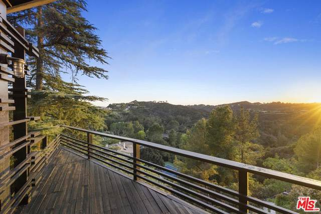 2859 Coldwater Canyon Drive, Beverly Hills, CA 90210 (#20554566) :: The Pratt Group