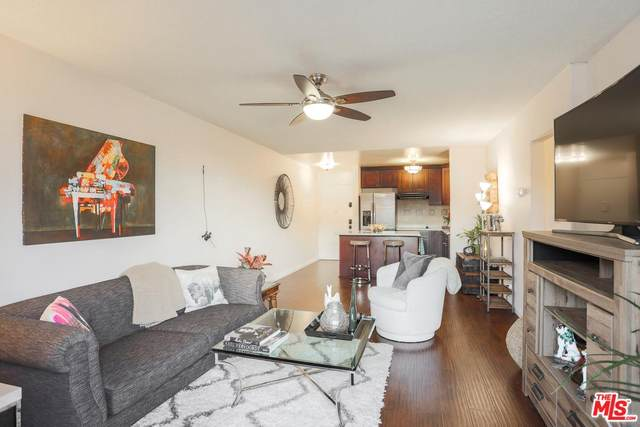 425 S Kenmore Avenue #210, Los Angeles (City), CA 90020 (MLS #20554910) :: Deirdre Coit and Associates